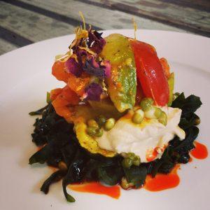 salata cu wakame si hummus